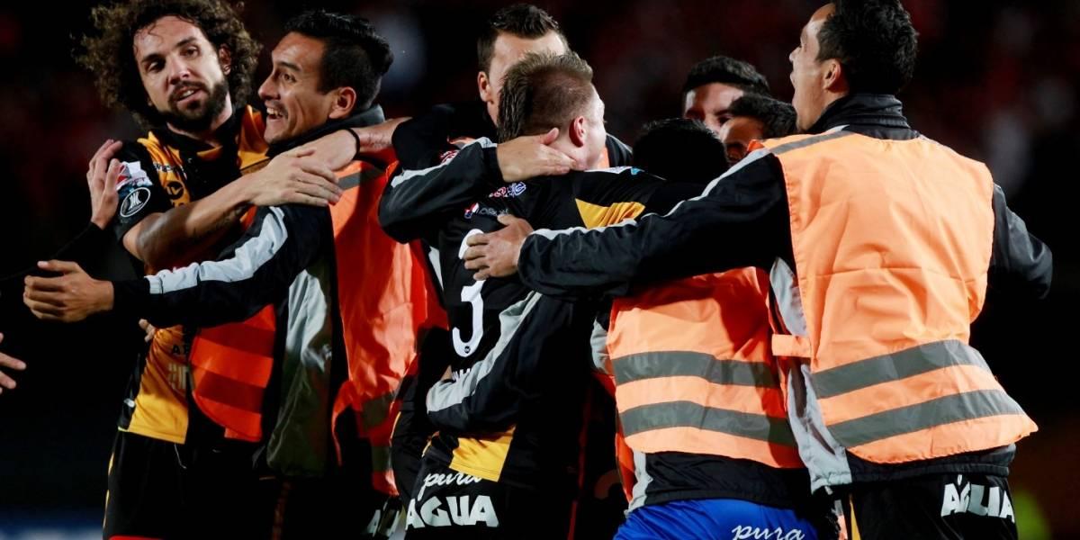 Santa Fe empató con The Strongest y quedó eliminado de Libertadores