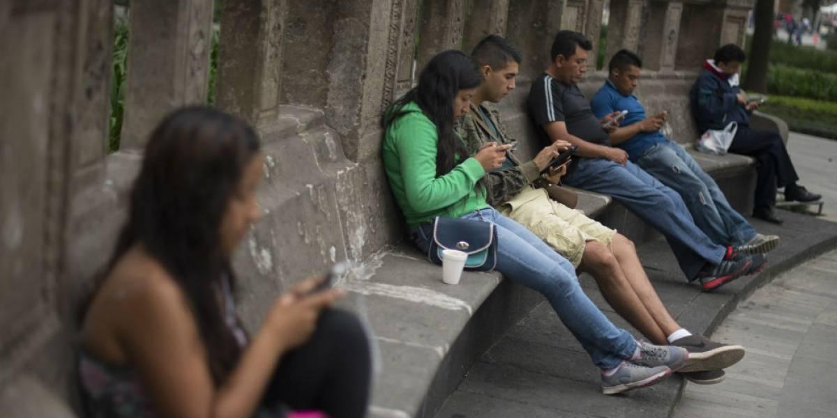 Mexicanos dedican hasta cuatro horas diarias a WhatsApp