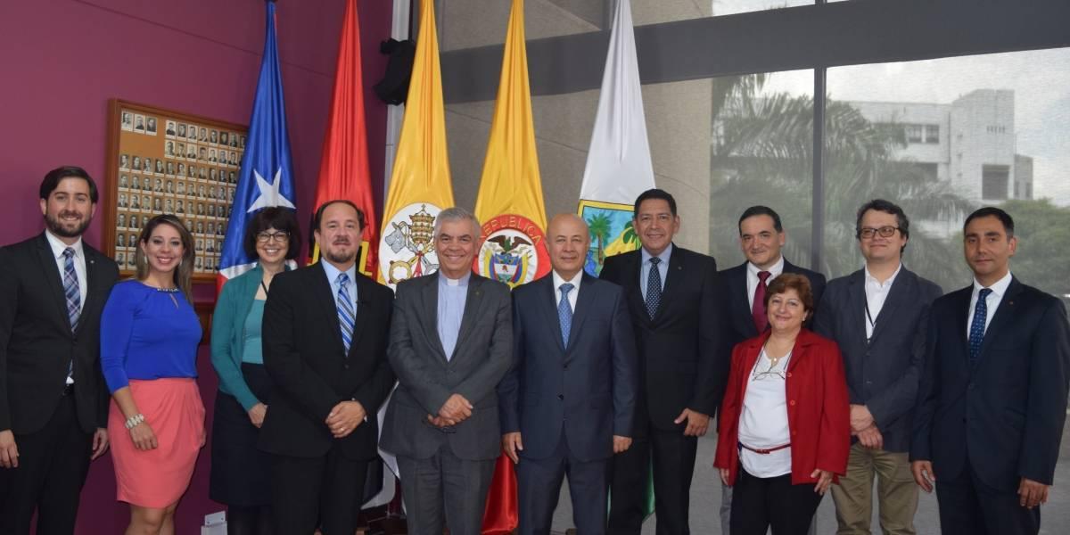 Pontificia Universidad Católica realiza acuerdo con instituciones de Colombia
