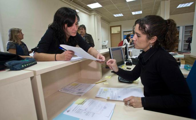 Ingresos del sector servicios aumentan 4.9%