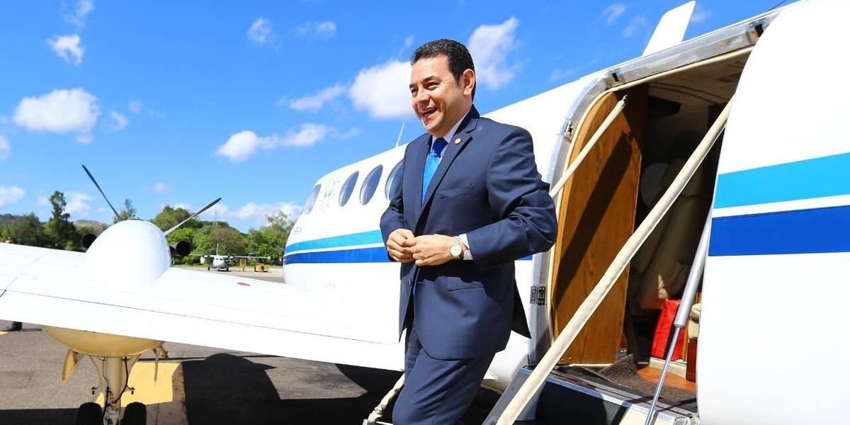 Presidente Jimmy Morales llega a Honduras para reunirse con su homólogo