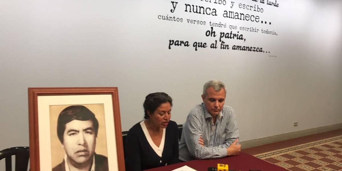 Urgen búsqueda de escritor guatemalteco desaparecido durante la guerra civil