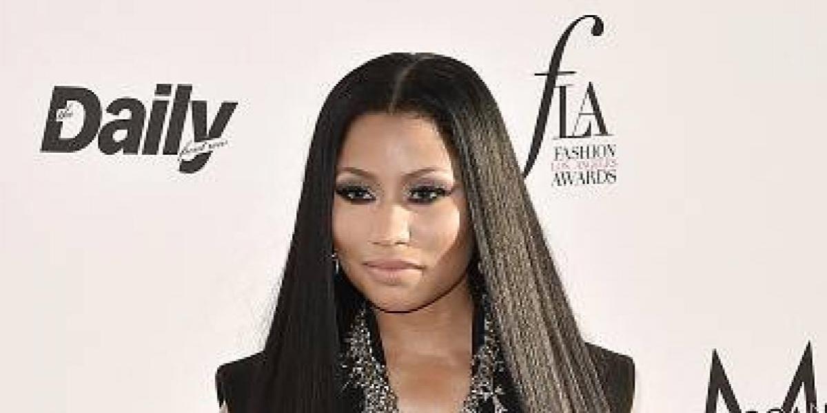 Nicki Minaj desafía a Instagram con estás fotos sin ropa y atada con una cuerda