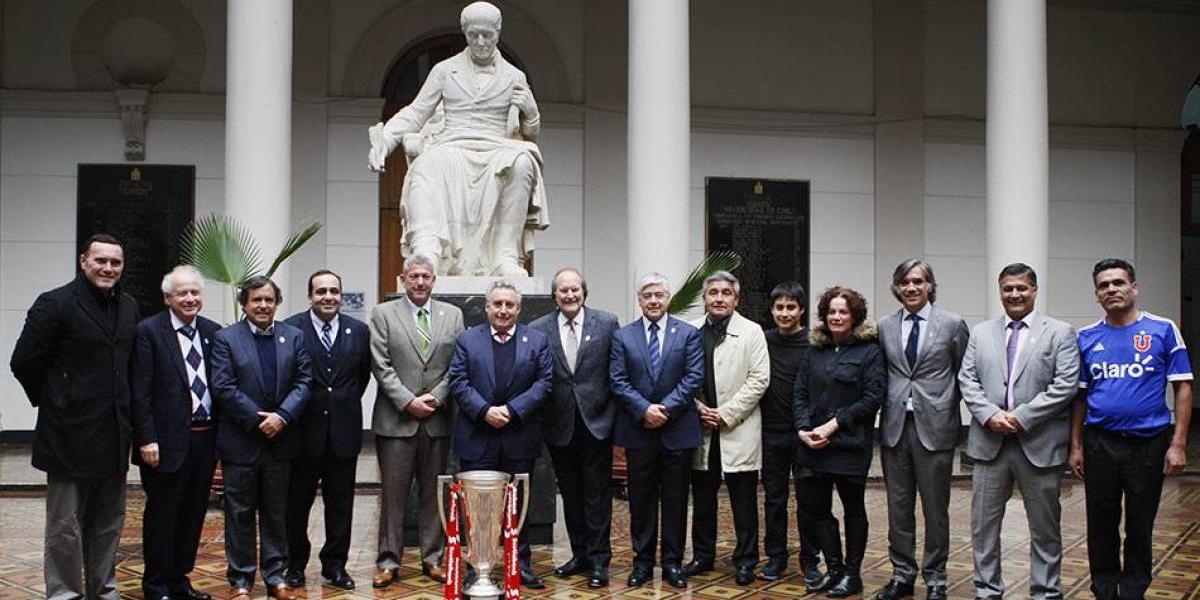 La U volvió a sus orígenes para celebrar el título del Clausura y su aniversario 90