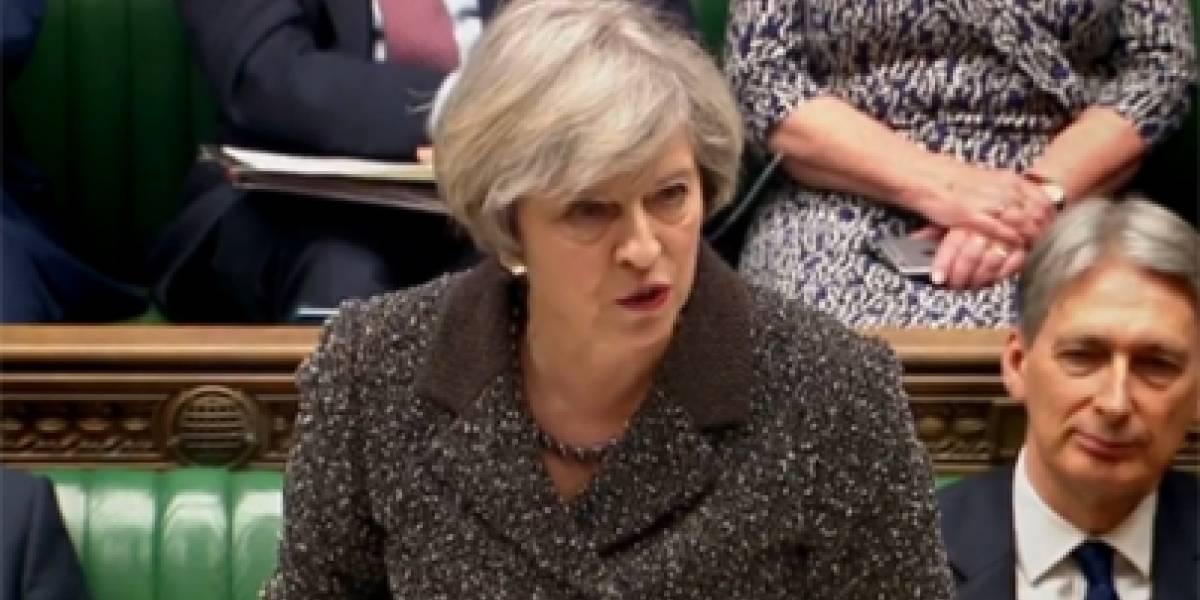 Policía conoce identidad del atacante suicida: Theresa May