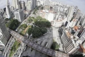 https://www.metrojornal.com.br/economia/2017/08/21/queda-no-preco-dos-imoveis-residenciais-no-pais-acelera-para-019-em-julho.html