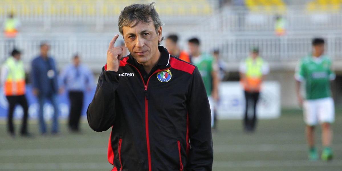 Hugo Vilches seguirá en Audax Italiano hasta fines del 2018