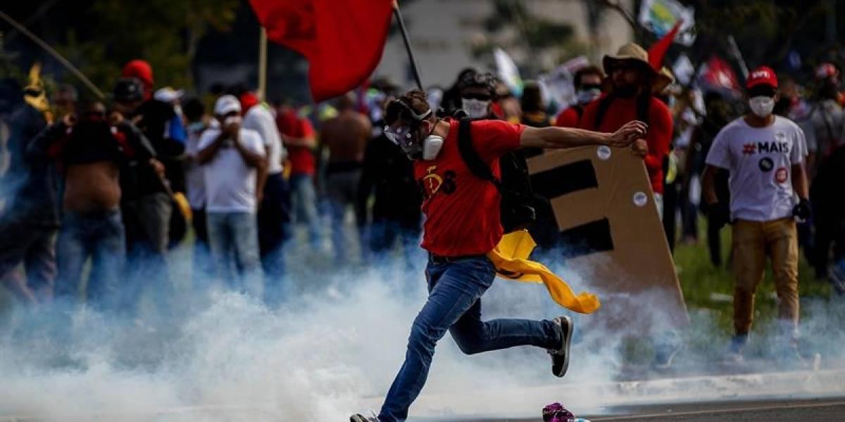 Temer pide refuerzo de tropas tras protestas que buscan su renuncia, en Brasil