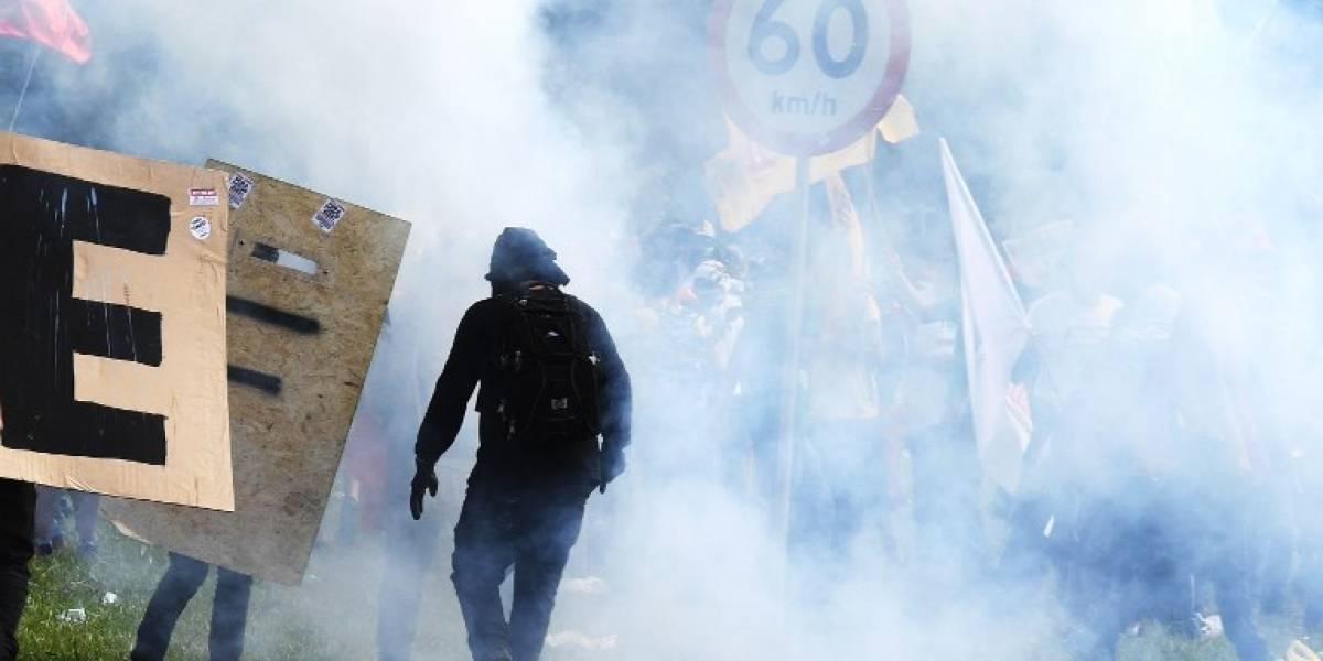 Manifestantes prenden fuego a ministerio de Brasil en protesta contra Temer