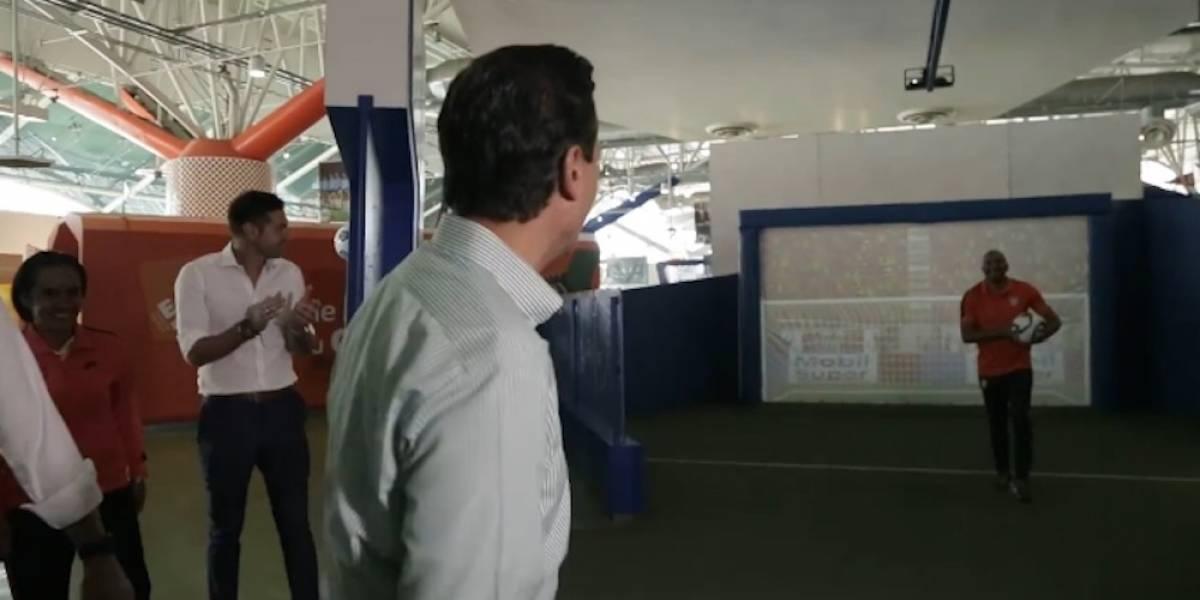 """Peña Nieto golea al """"Conejo"""" Pérez"""