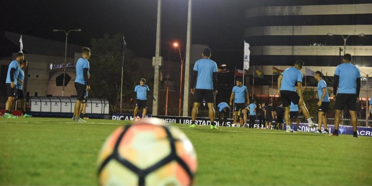 """Conmebol destacó el """"histórico"""" entrenamiento de Deportes Iquique en Paraguay"""
