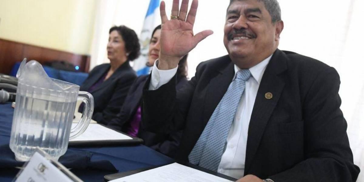 Contralor pide a Taracena y a diputados esperar informe final