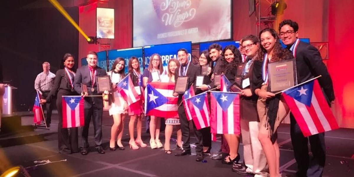 Estudiantes de la UPR ganan 12 premios en competencia de negocios