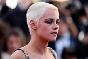 Kristen Stewart se revela: 'Si los hombres no están obligados a usar vestido y tacones, ¿por qué yo sí':