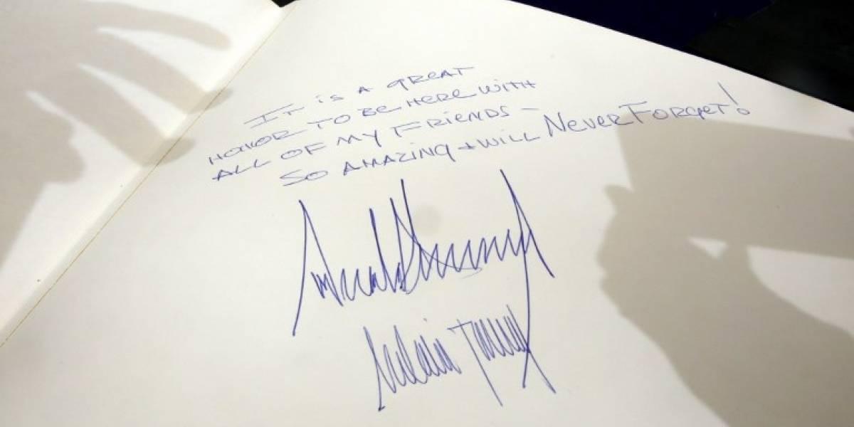 """La """"inspiradora"""" dedicatoria que dejó Trump en el libro de visitas de memorial del Holocausto"""