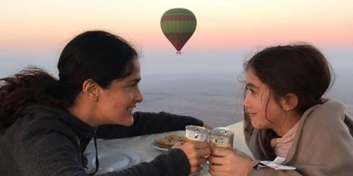 Hija de Salma Hayek casi asiste a concierto de Ariana Grande