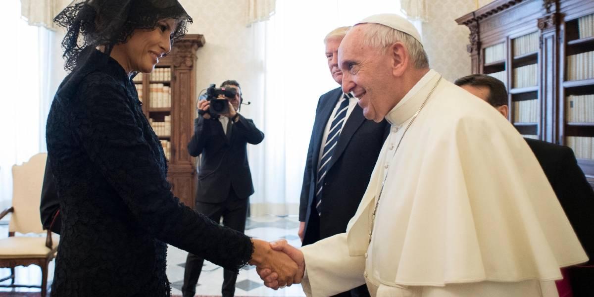 Papa Francisco le pregunta a Melania sobre platillo esloveno