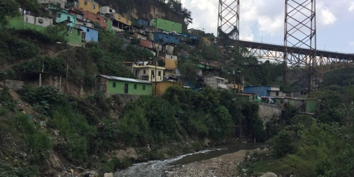 Miles viven en sectores declarados como inhabitables