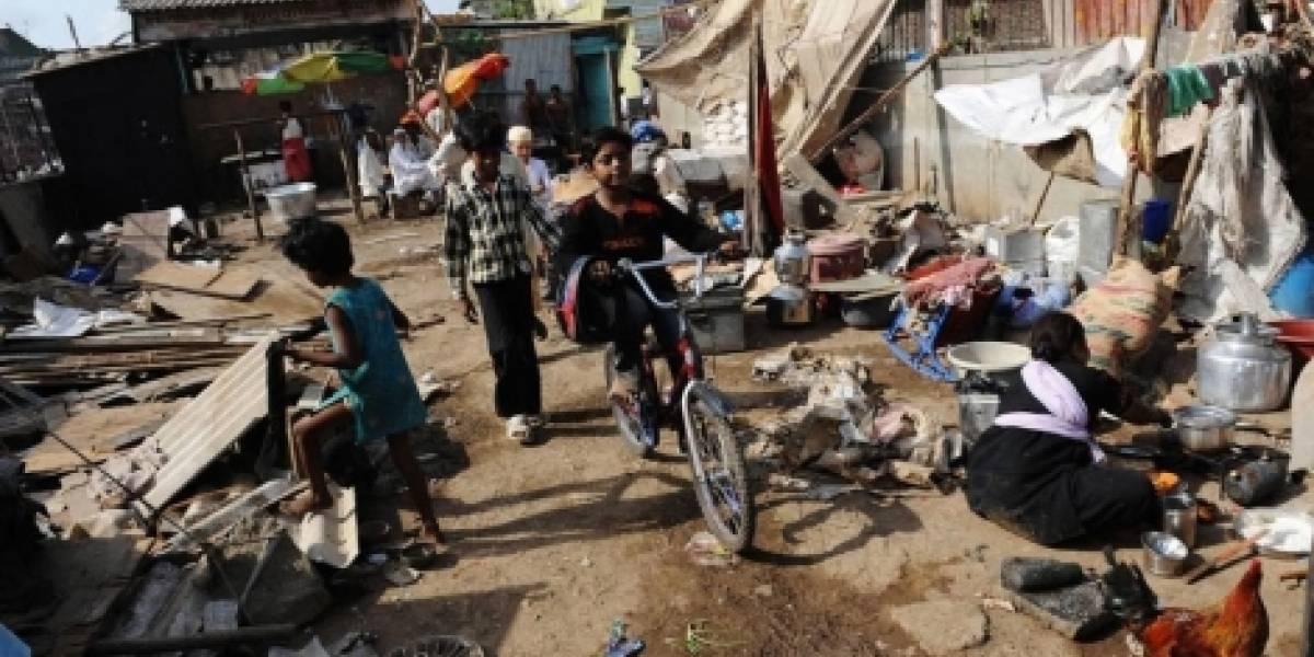 Impactante hallazgo en India: encuentran a niño tomando leche de su madre muerta