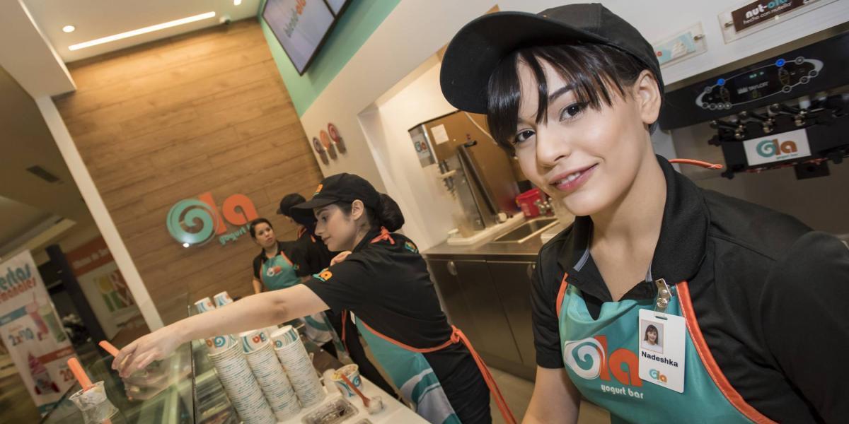 Inauguran nueva tienda de yogurt en Plaza Las Américas