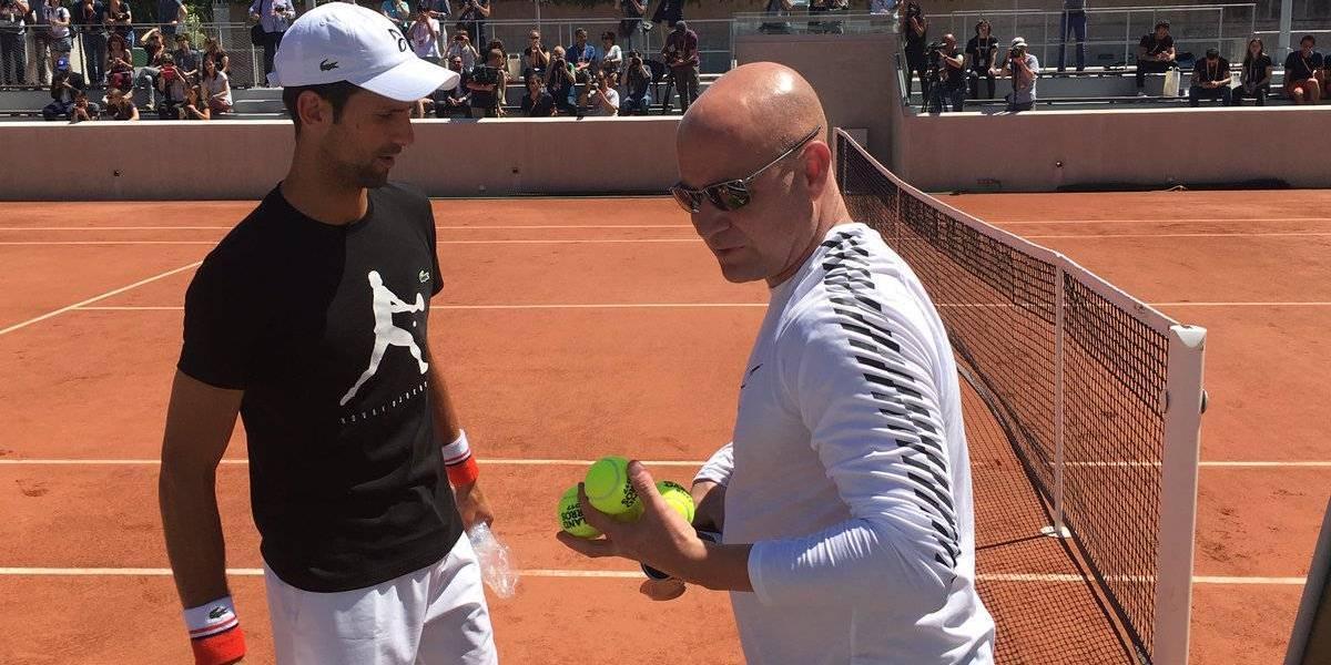 Djokovic ya entrena con Agassi con el objetivo de ganar el bicampeonato en Roland Garros