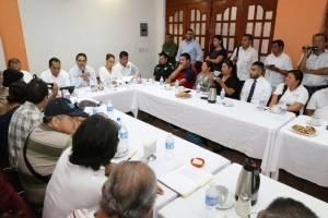 Silvano Aureoles se compromete a crear fiscalía para periodistas