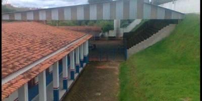 Estudante tenta matar diretora de escola a facadas em Pouso Alegre