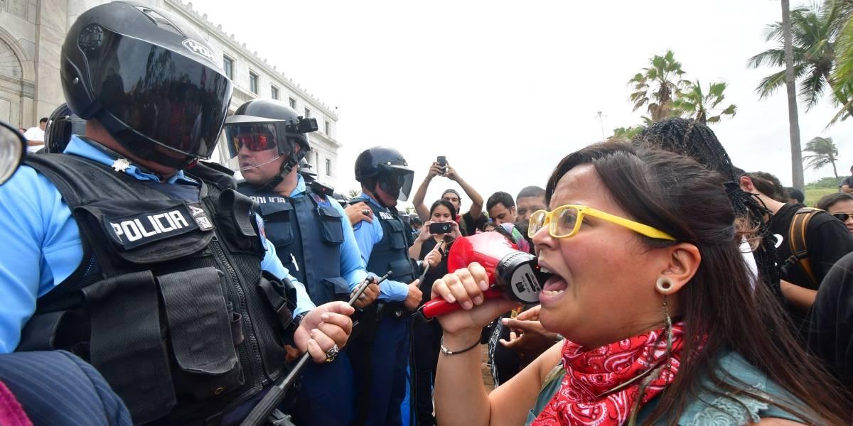 Héctor Ferrer exhorta a estudiantes UPR a abrir los portones