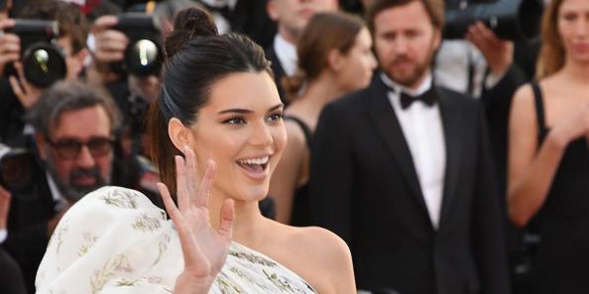 La sesión más candente de Kendall Jenner y mostrando su trasero