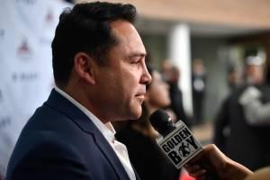 """Óscar de la Hoya llama a boicotear el """"circo"""" Mayweather-McGregor"""