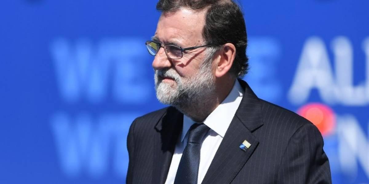 """Rajoy rechaza negociar referéndum en Cataluña porque """"viola la Constitución"""""""