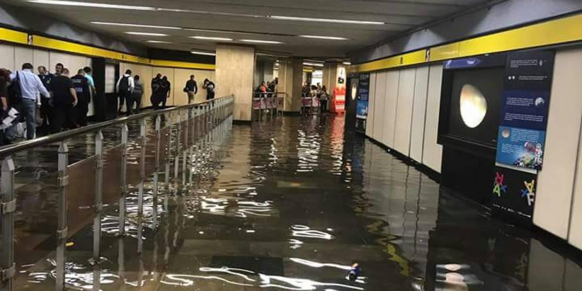 VIDEO: Se inunda Túnel de la Ciencia en Metro La Raza