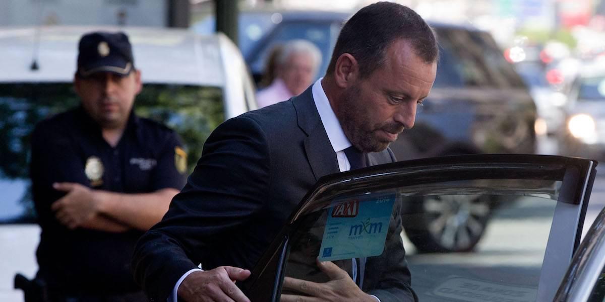 Ordenen prisión sin fianza para ex presidente del Barcelona