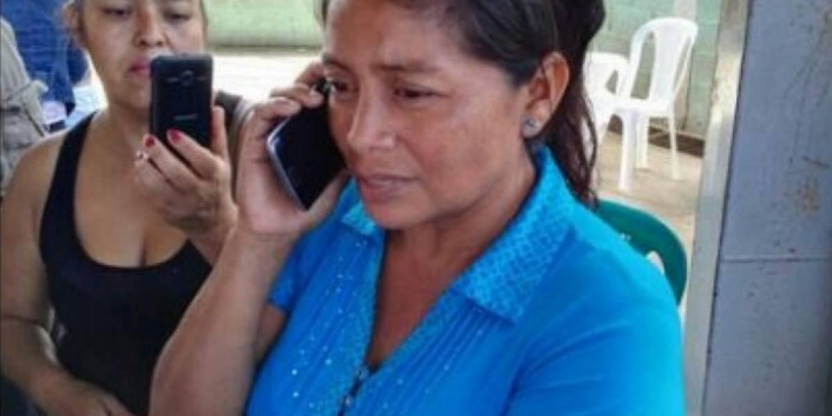 Vía telefónica, el presidente Jimmy Morales da el pésame a familiares de fallecidos en Santa Isabel II