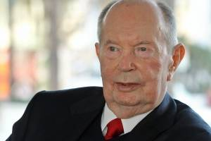 Muere expresidente de Univisión