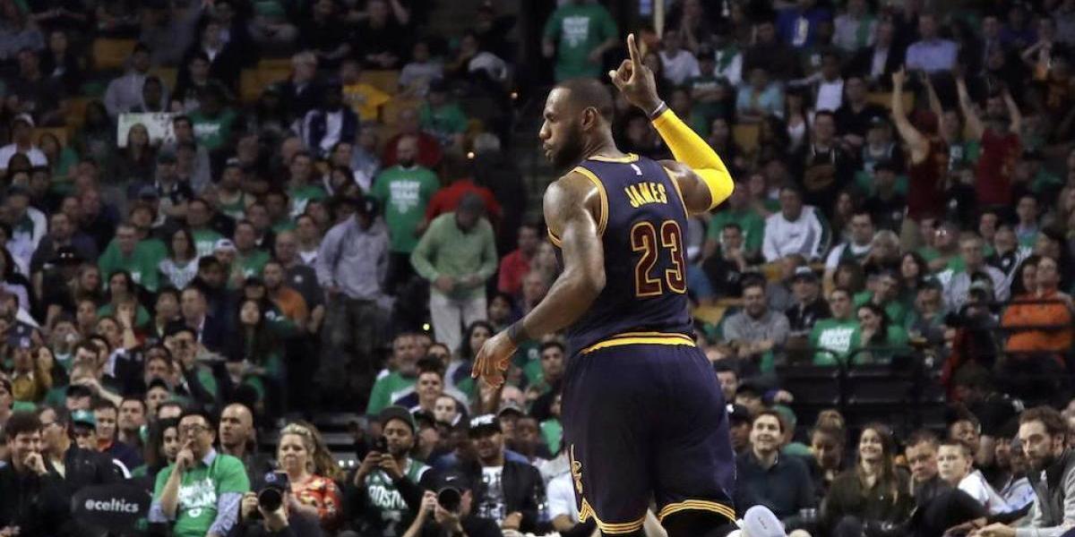 LeBron James rompe récord de Jordan; los Cavs avanzan a la final de la NBA