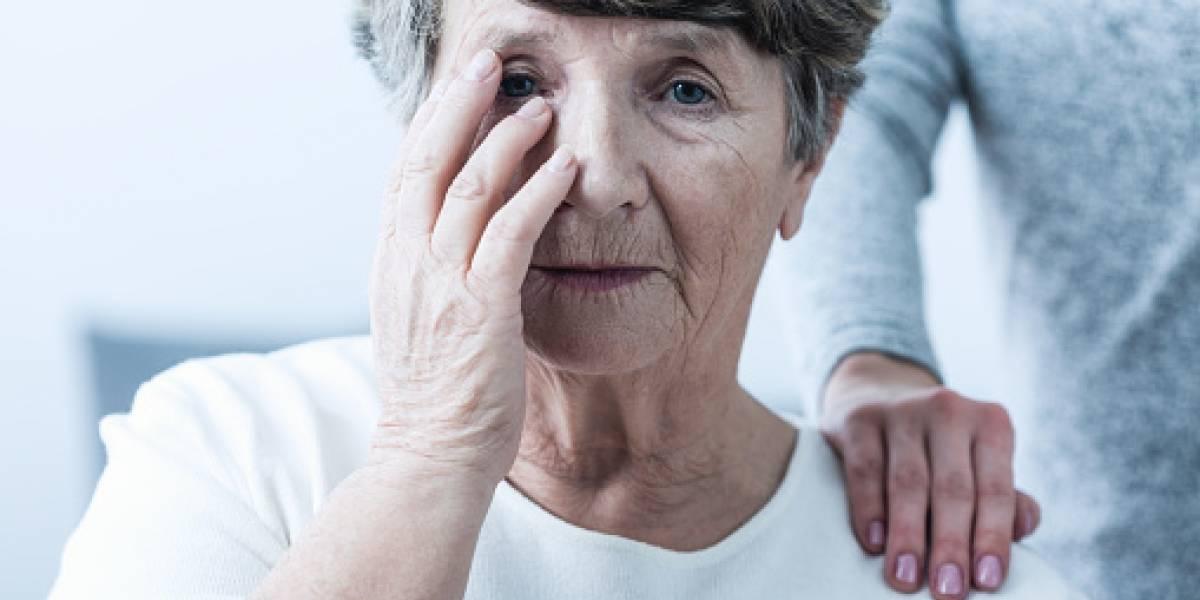 Más enfermos de alzhéimer mueren en sus casas