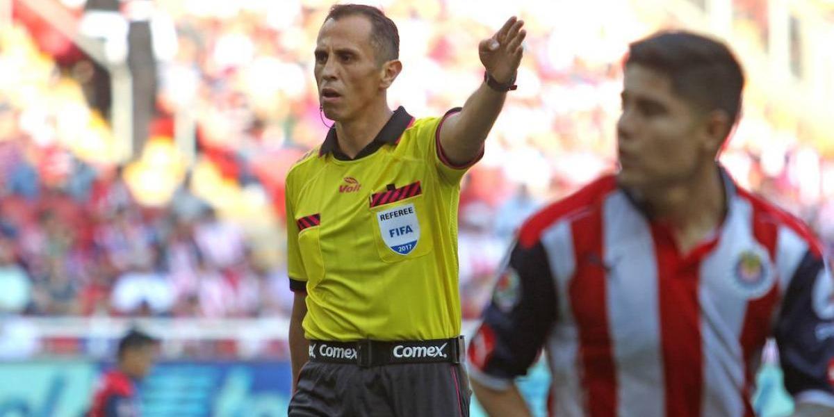 ¡Polémica! Luis Enrique Santander pitará la Final de Vuelta entre Chivas y Tigres