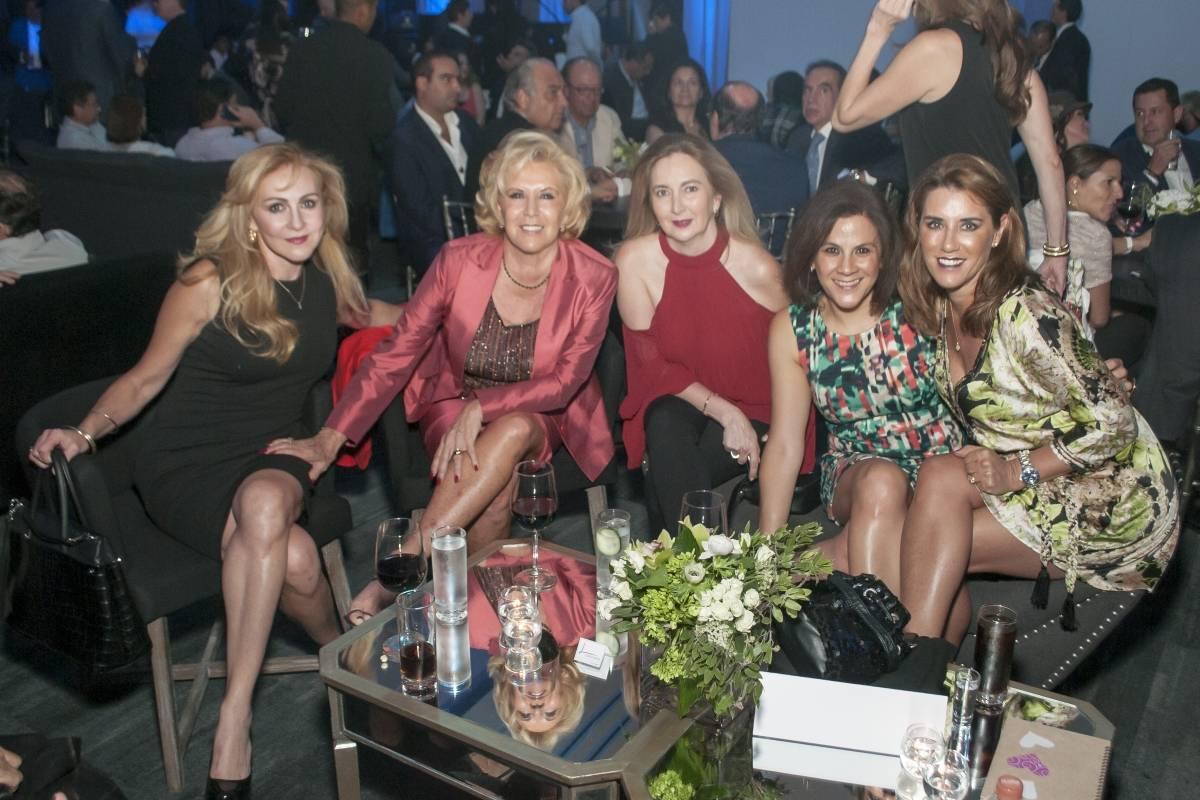 Elena Cuervo, Esperanza Barreiro, Monse Galindo, Vicki Morales y Annie Barreiro. JDS