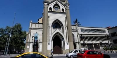 Pese a resguardo policial Iglesia de la Gratitud Nacional sufre daños