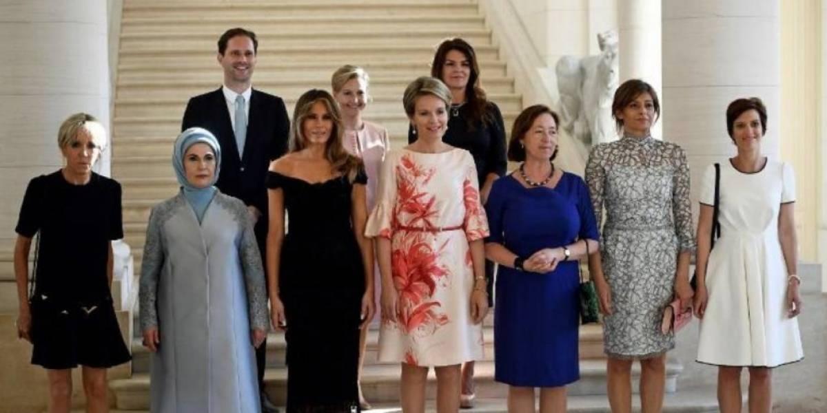 Esposo de primer ministro posa junto a primeras damas de líderes de la OTAN