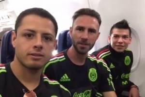 """Chicharito, Layún y """"Chucky"""" sorprenden a fan con emotivo video"""