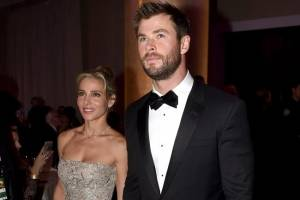 Elsa Pataky se burla de los 'desagradables' músculos de Chris Hemsworth