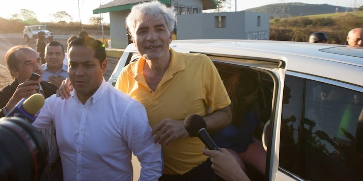 Hospitalizan a José Manuel Mireles por problemas cardiacos