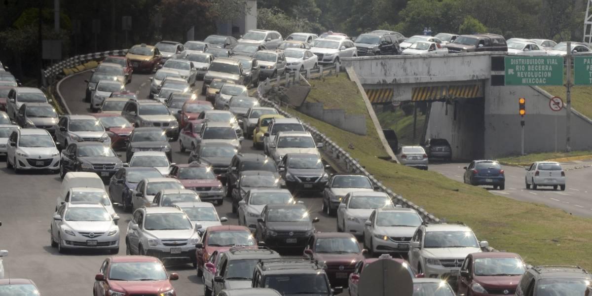 Viernes 26 de mayo: Hoy No Circula para autos con engomado azul