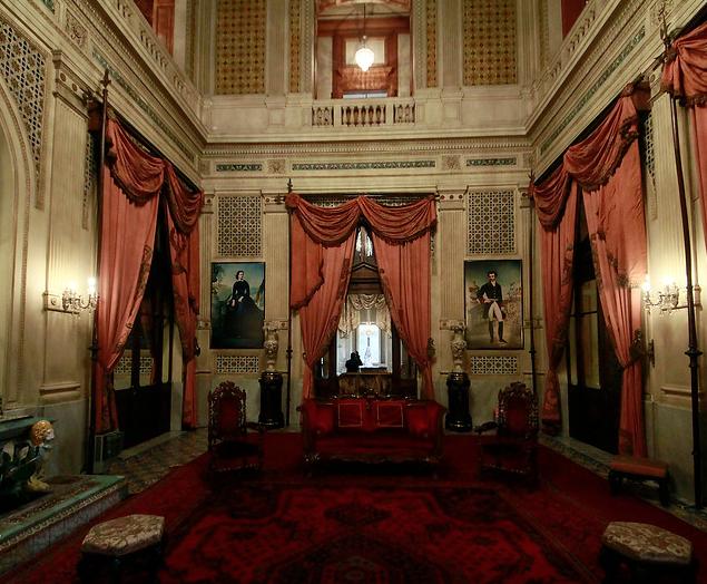 """Día del Patrimonio: Santiago invita al Palacio Cousiño y a recorrido en """"tren"""" urbano"""