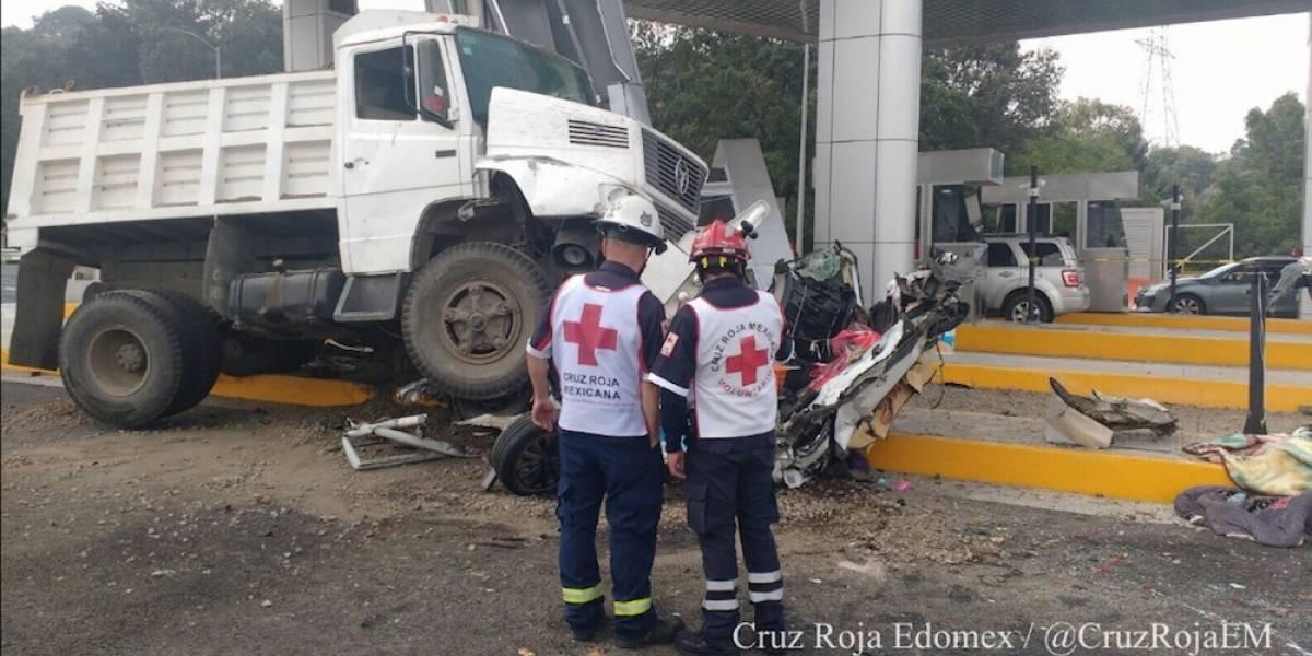 Tras choque, prohíben camiones de carga en autopista La Marquesa- Toluca