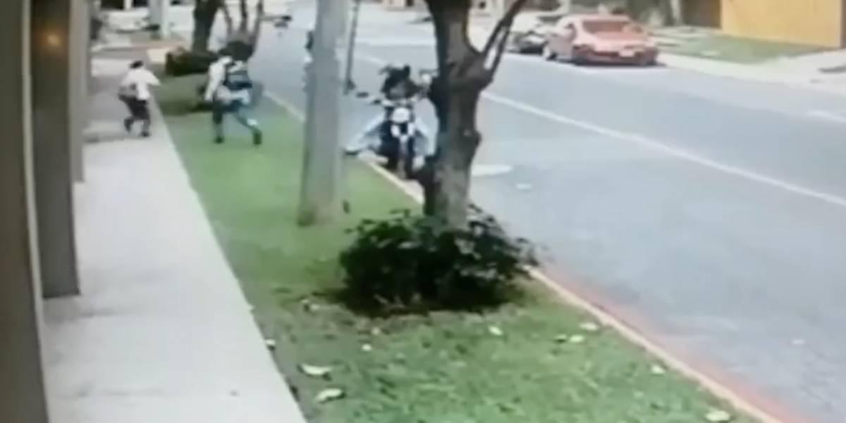 VIDEO. Graban violento asalto en zona 14 y lo comparten en Facebook