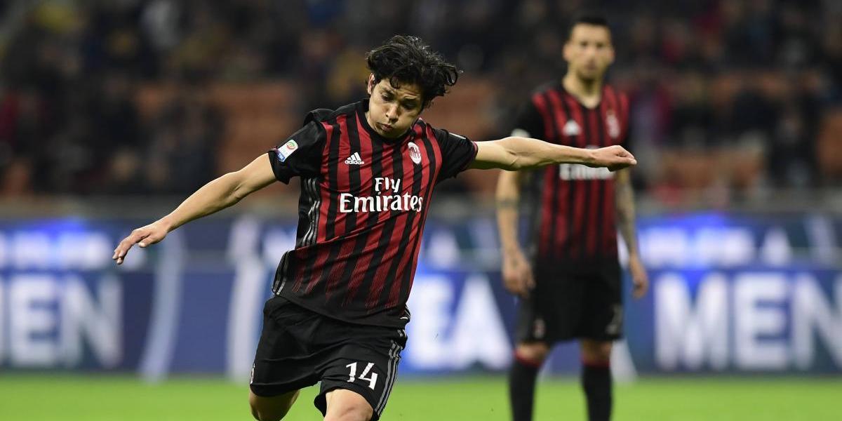 Matías Fernández cierra la temporada como titular en caída del Milan ante el Cagliari