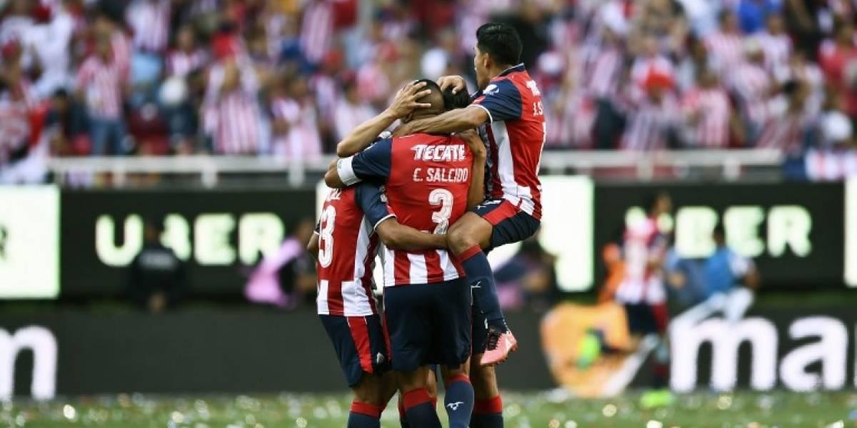 Chivas rompió la sequía de 11 años y dejó sin título a Eduardo Vargas en México